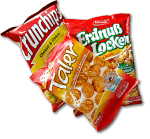 Crunchips Cheese & Onion, Saltletts Taler und Erdnußlocken von Lorenz